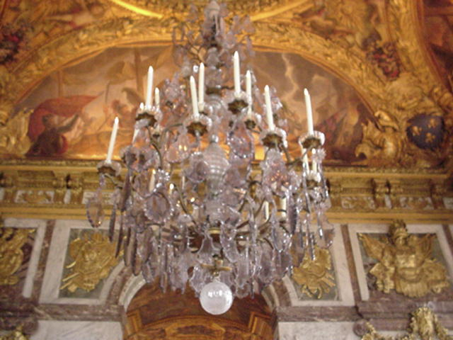 chandelierversailles.jpg